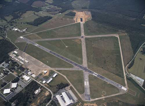http://pdcconsultants.com/wp-content/uploads/2016/04/tullahoma_airport1_tullahoma_tn.jpg